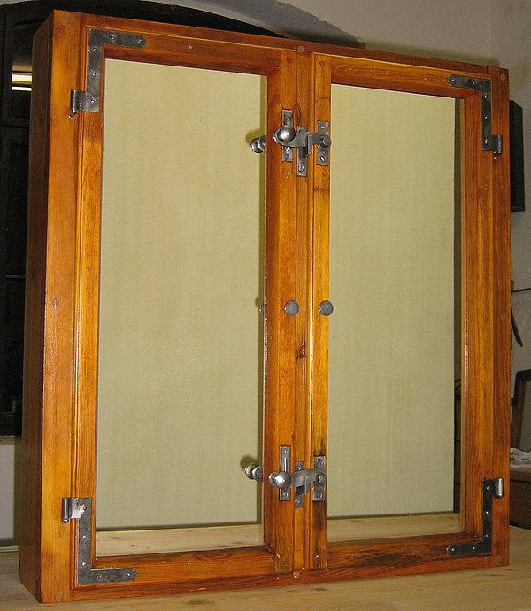 Historische holzfenster alte holzfenster resandes historische baustoffe - Spiegel sprossenfenster ...