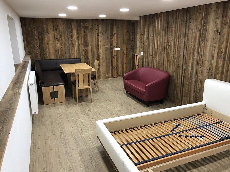 Kellerraum Mit Altholz Wandverkleidung